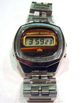 Reloj Orient digital antiguo